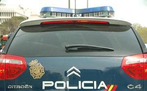 Secuestra, viola y apalea a su mujer durante un mes en un piso de Valencia