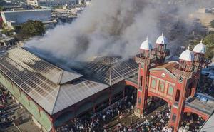 Un incendio destruye el mercado histórico de Puerto Príncipe