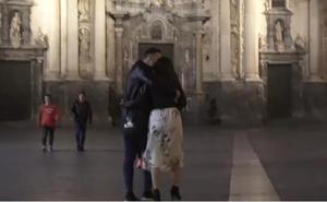 Una romántica pedida de mano con cámara oculta en un bar de Murcia que te hará seguir creyendo en el amor