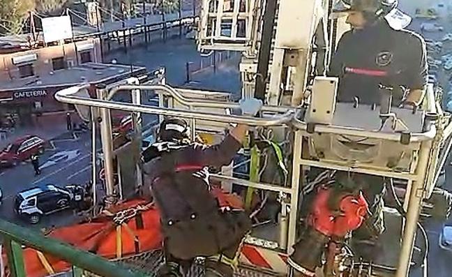 Rescatan a un hombre de 71 años accidentado en su vivienda en Lorca