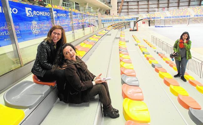 La alcaldesa promete abrir al menos la pista principal del Palacio de Deportes antes de 15 meses