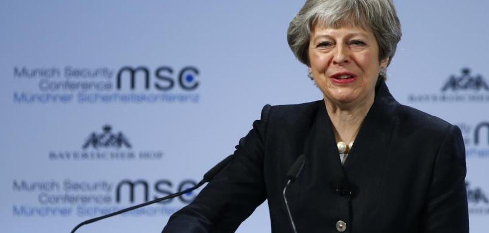 May pide un acuerdo «urgente» sobre la seguridad con la UE tras el Brexit