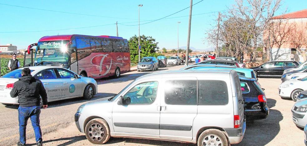 Múltiples deficiencias en el colegio de La Puebla enfadan a padres de alumnos y docentes