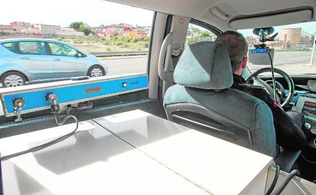 Las multas por exceso de velocidad caen a la mitad en el último año