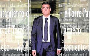 Cinco años de inhabilitación al exalcalde Madrid por la permuta ilegal de una finca