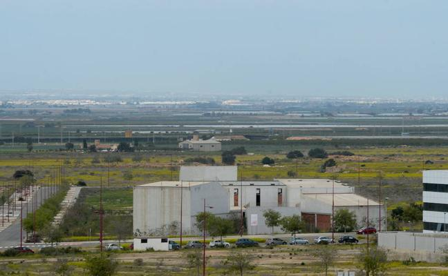 Los empresarios de Los Camachos exigen una sede y reabrir el acceso del semillero