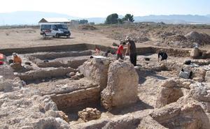 Charla sobre los hallazgos en Los Torrejones