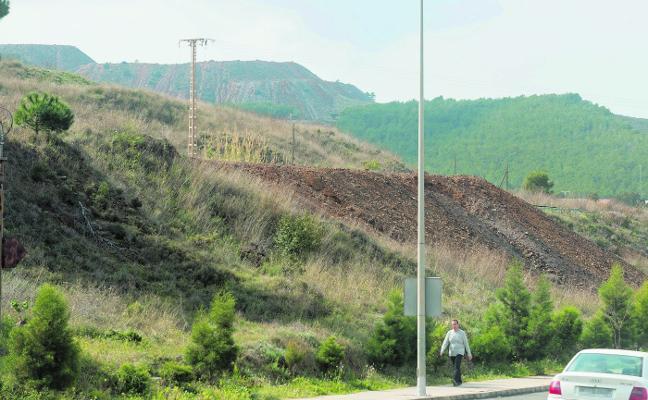 El plan regional para restaurar balsas mineras abarca El Llano y El Gorguel