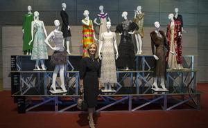 Carmen Lomana: «Quieren ver mi armario, no el de mi abuela»