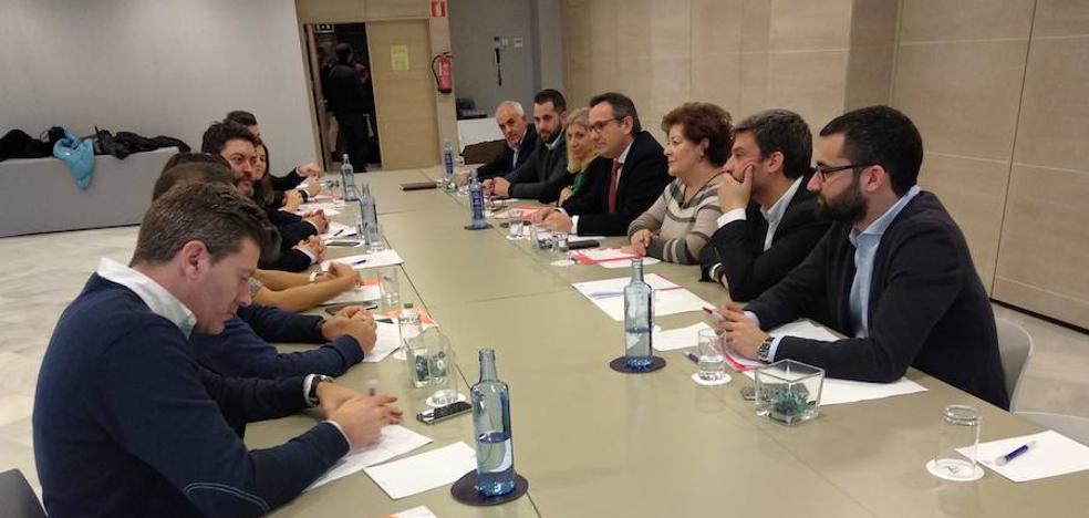 PSOE y Cs buscan acuerdos en la financiación local, el Mar Menor y el Estatuto de Autonomía