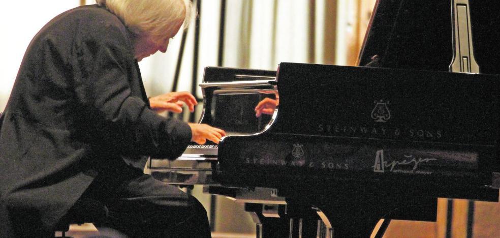 Grigory Sokolov llega hoy a Murcia dispuesto a deslumbrar al público con Haydn y Schubert