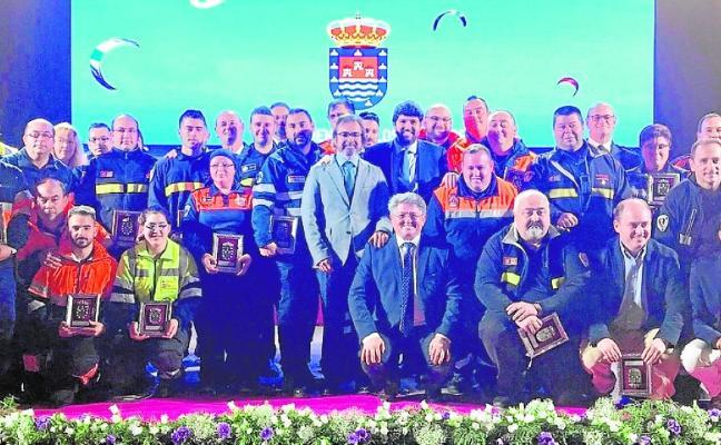 Reconocimiento a Protección Civil por su labor altruista en la riada de Los Alcázares