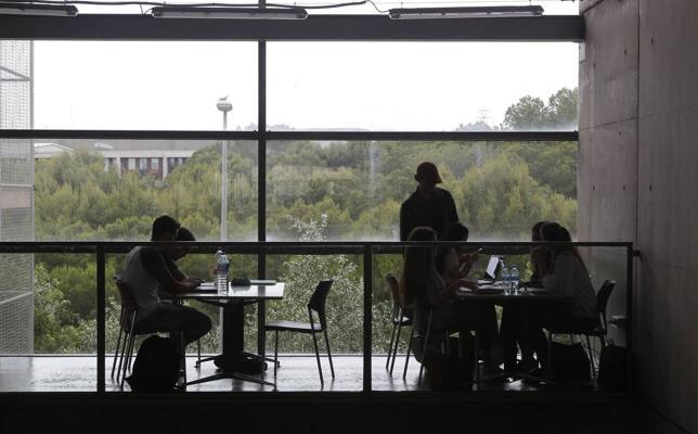 Un informe señala que las universidades de la Región tienen el peor nivel de España