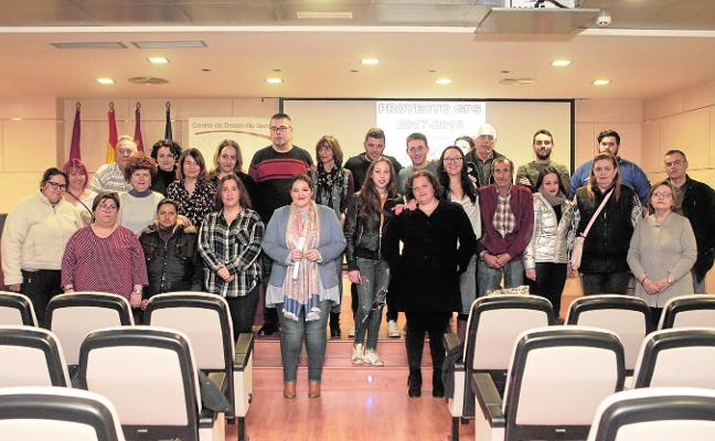 Imparten dos cursos para sacar de la exclusión social a 43 vecinos que reciben ayudas