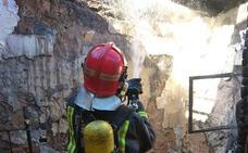 Un anciano resulta herido en el incendio de su vivienda de Las Torres de Cotillas