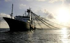 La pesca industrial se come la mitad de los océanos