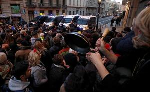 Cacerolada contra la presencia de Felipe VI en Cataluña