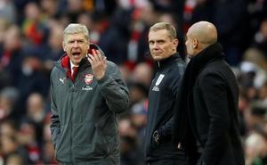 Guardiola centra la atención política y Wenger culpa a la suerte