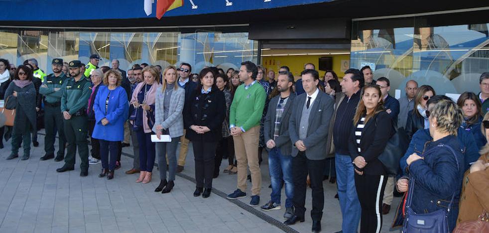Las Torres de Cotillas se concentra para decir 'no' a la violencia de género