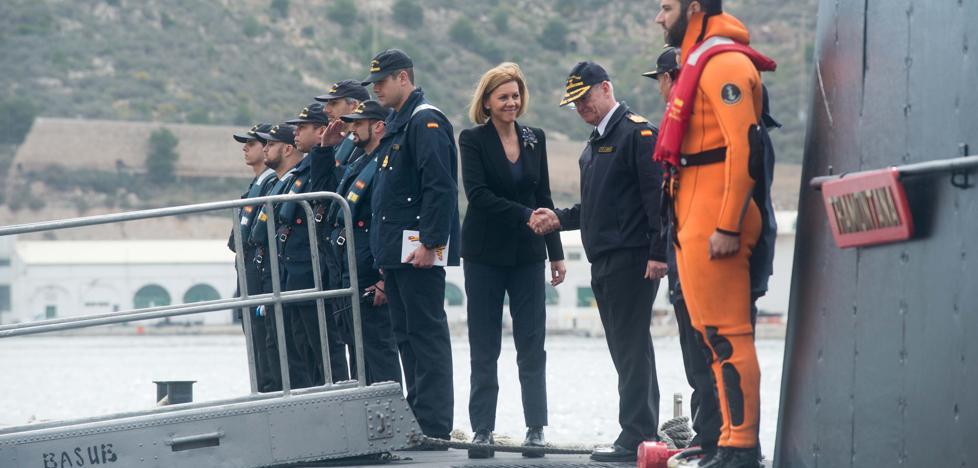 Cospedal: «Los submarinos S-80 podrían estar listos en 2022»