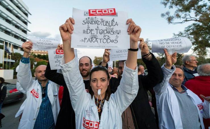 Miles de personas piden el fin del copago sanitario y las listas de espera