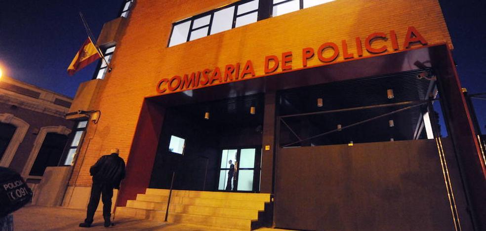Detenido por golpear y arrastrar a su pareja por el pelo en Murcia