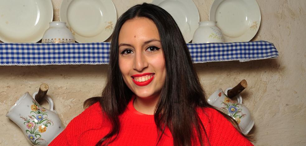 María Mercedes Puche García: «Las tradiciones deberían enseñarse desde la infancia»