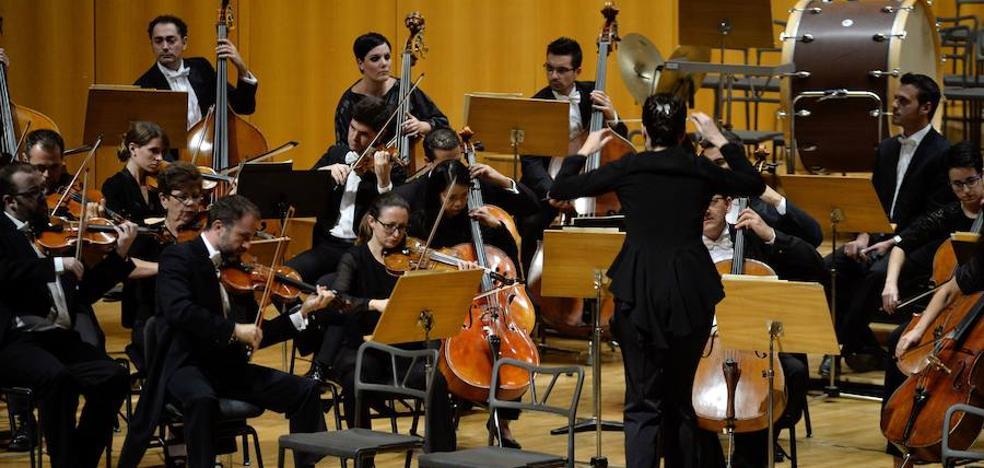 La OSRM interpreta un concierto en formato 360º con público entre los músicos