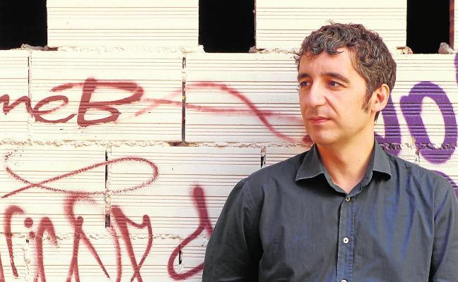 Pedro Alberto Cruz: «Santiago Sierra es un mediocre»