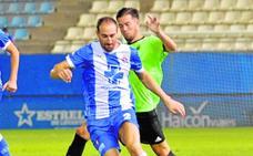 Las lesiones y las tarjetas complican la vida aún más al Lorca Deportiva