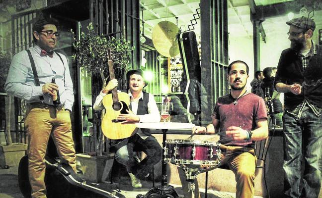 La Farándula: «Echo de menos el abanico de estilos musicales que había antes en la Región»