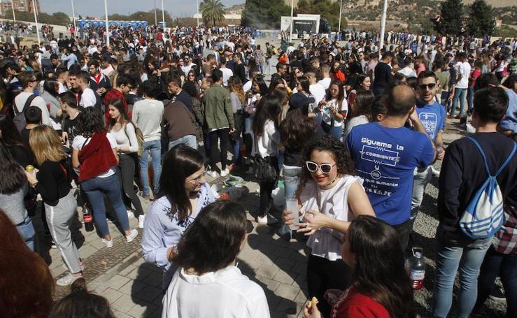 Fiesta universitaria en la UPCT con una paella gigante