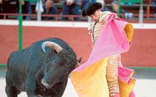 Dos orejas para Nazaré y Filiberto en la Feria Villa del Toro de Blanca