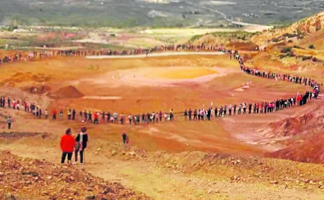 Más de 500 vecinos se unen en San Cristóbal II para defender el paraje