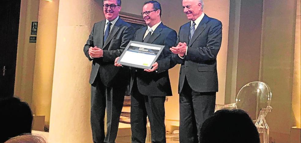 El Ministerio premia al profesor Pedro Peinado de Abarán