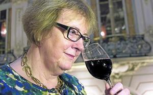 Cómo elegir un buen vino, según una de las mejores catadoras del mundo