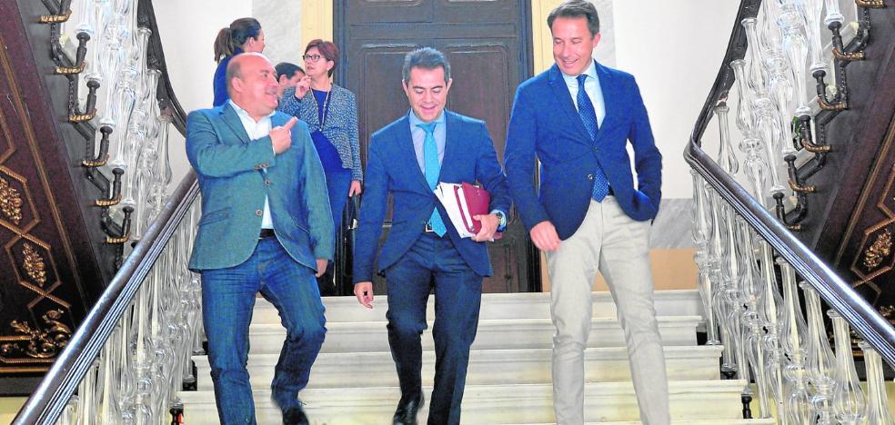 La candidatura del bordado a patrimonio de la Unesco suma el apoyo de los 45 municipios