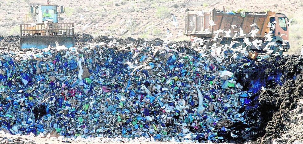 El Ayuntamiento obvia un informe sobre la contaminación del antiguo vertedero