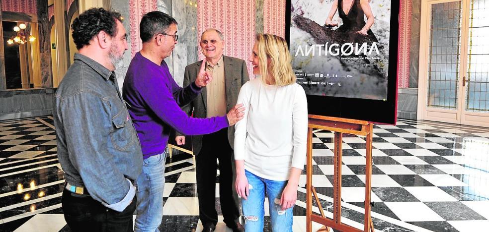 El Romea coproduce y estrena una 'Antígona' contemporánea