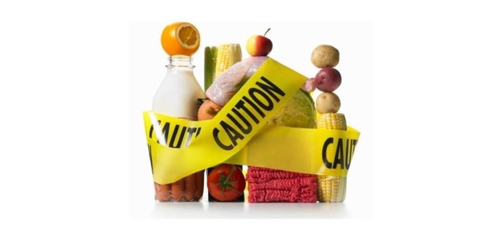 Los 7 alimentos tóxicos que comes y podrían matarte