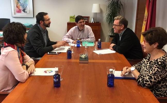 Salud contará con nuevas organizaciones ciudadanas en los consejos de salud de área