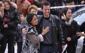 Un químico y una «heroína griega»: así son los padres de Gabriel