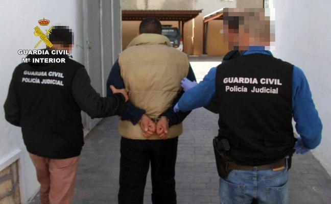 Detienen en Mazarrón a un experimentado delincuente con una orden de ingreso en prisión
