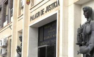 540 euros de multa por intentar evitar una caza de animales en Yecla