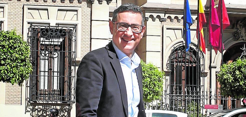 José Luján: «Soy una persona de centro con inquietudes sociales e ideas propias»