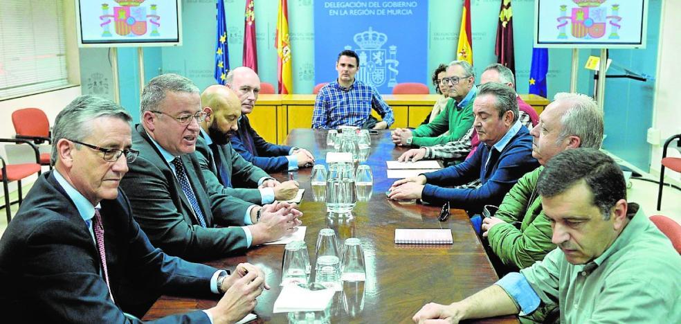 Aena negocia con las cuatro primeras aerolíneas para abrir Corvera a mediados de enero