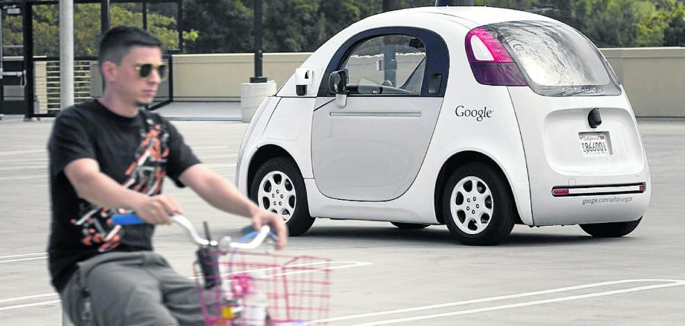 Las dudas legales, morales y tecnológicas del polémico coche autónomo