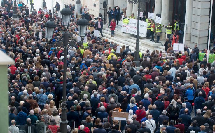 """Manifestación por unas """"pensiones dignas"""" en Cartagena"""