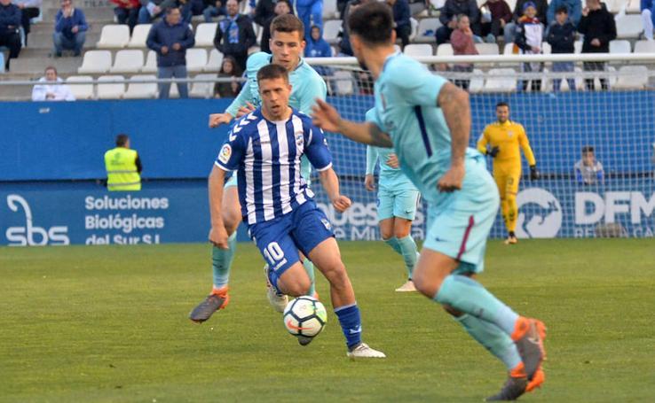 El Lorca FC no pasa del empate contra el Barcelona B (1-1)