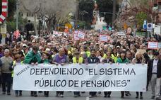 Miles de personas salen a la calle en Murcia y Cartagena «por unas pensiones dignas»